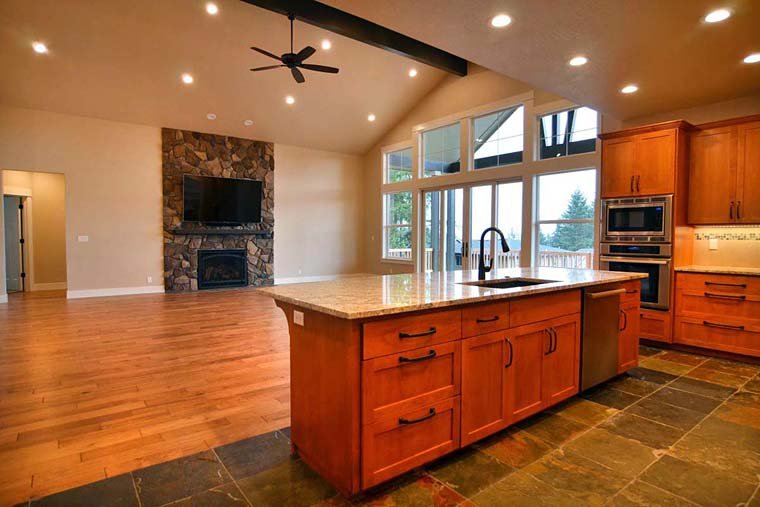 Country, Craftsman, Traditional House Plan 41201 with 3 Beds, 3 Baths, 3 Car Garage Picture 4