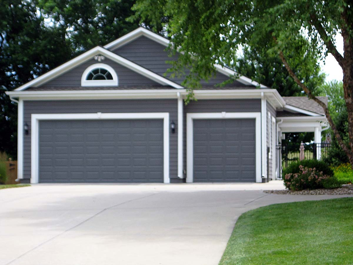 Traditional 3 Car Garage Plan 60678 Elevation