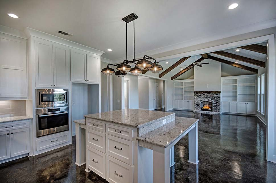 Craftsman, Farmhouse, Traditional House Plan 74637 with 4 Beds, 3 Baths, 2 Car Garage Picture 7