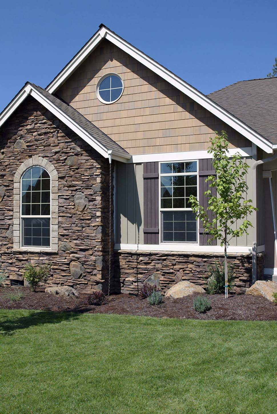 Bungalow, Craftsman House Plan 81227 with 3 Beds, 2 Baths, 3 Car Garage Picture 4