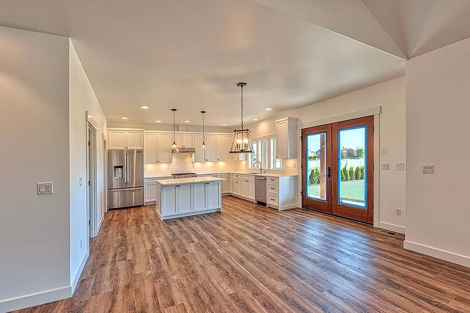 Country, Craftsman, Ranch, Traditional Plan with 2245 Sq. Ft., 3 Bedrooms, 2 Bathrooms, 2 Car Garage Picture 11