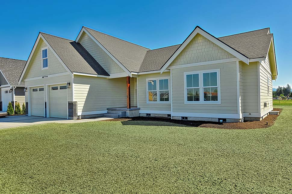 Country, Craftsman, Ranch, Traditional Plan with 2245 Sq. Ft., 3 Bedrooms, 2 Bathrooms, 2 Car Garage Picture 4