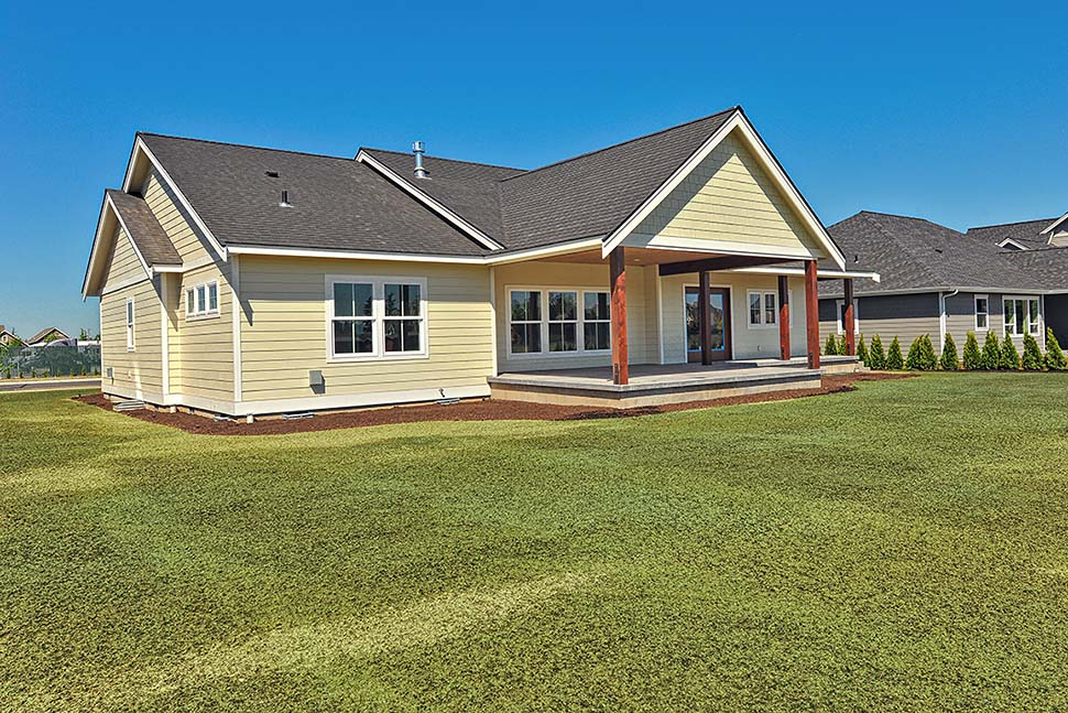 Country, Craftsman, Ranch, Traditional Plan with 2245 Sq. Ft., 3 Bedrooms, 2 Bathrooms, 2 Car Garage Picture 5