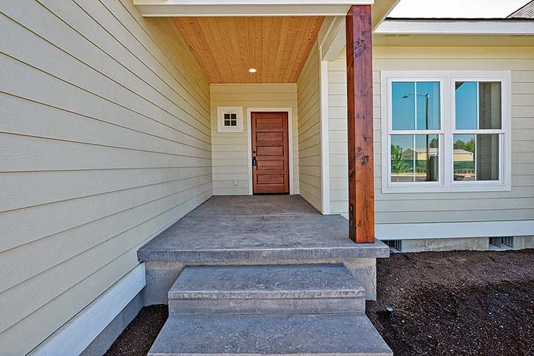 Country, Craftsman, Ranch, Traditional Plan with 2245 Sq. Ft., 3 Bedrooms, 2 Bathrooms, 2 Car Garage Picture 6