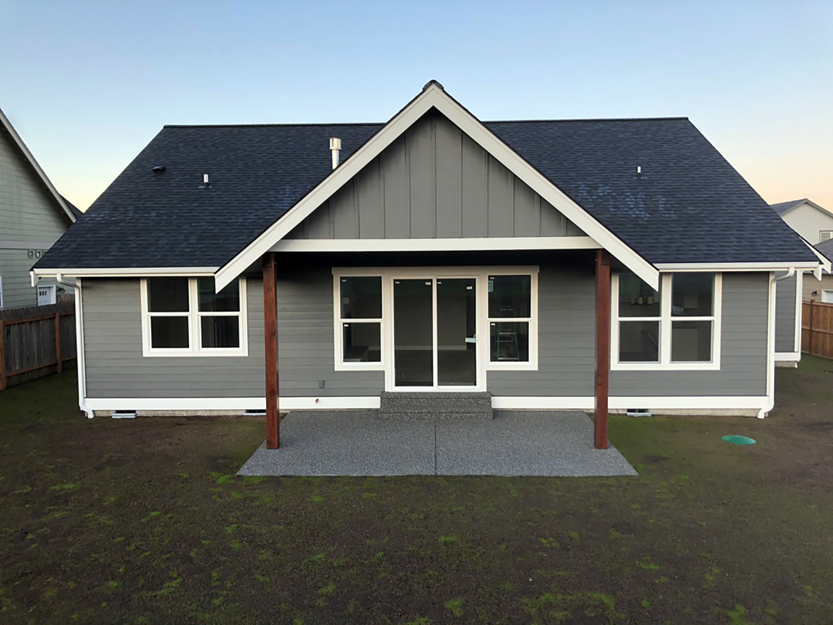 Country, Craftsman Plan with 1808 Sq. Ft., 3 Bedrooms, 2 Bathrooms, 2 Car Garage Rear Elevation