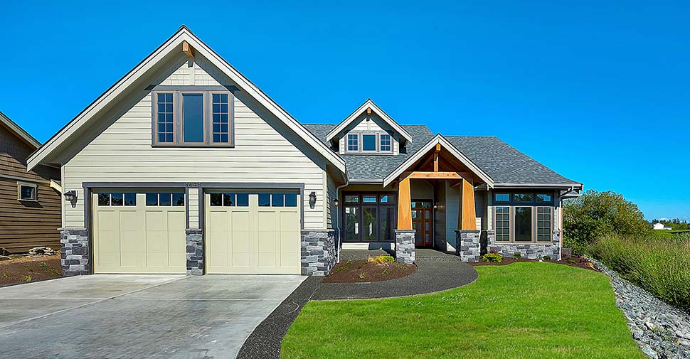 Country, Craftsman, Farmhouse Plan with 2939 Sq. Ft., 3 Bedrooms, 3 Bathrooms, 2 Car Garage Picture 3