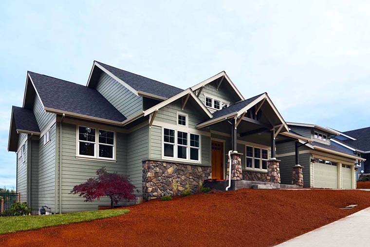 Country, Craftsman, Traditional Plan with 3159 Sq. Ft., 3 Bedrooms, 3 Bathrooms, 3 Car Garage Picture 2