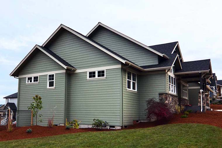 Country, Craftsman, Traditional Plan with 3159 Sq. Ft., 3 Bedrooms, 3 Bathrooms, 3 Car Garage Picture 3