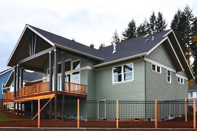 Country, Craftsman, Traditional Plan with 3159 Sq. Ft., 3 Bedrooms, 3 Bathrooms, 3 Car Garage Picture 4