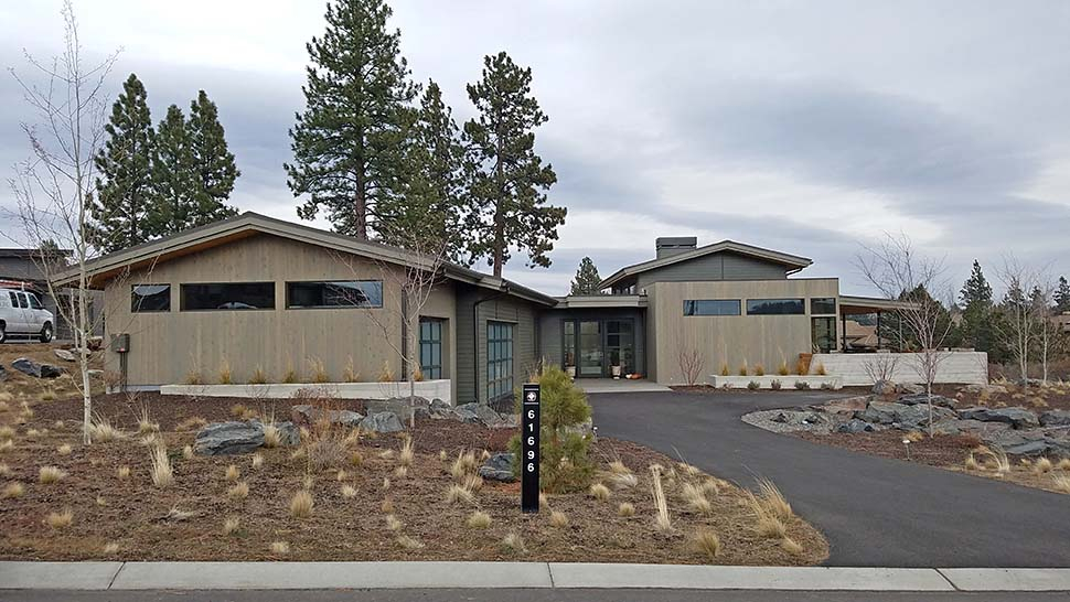Contemporary, Modern Plan with 2818 Sq. Ft., 3 Bedrooms, 4 Bathrooms, 3 Car Garage Picture 5