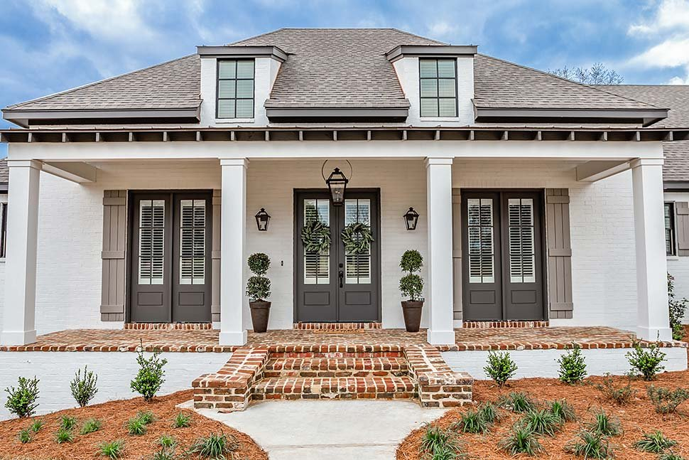 French Country, Southern Plan with 2854 Sq. Ft., 3 Bedrooms, 2 Bathrooms, 3 Car Garage Picture 3