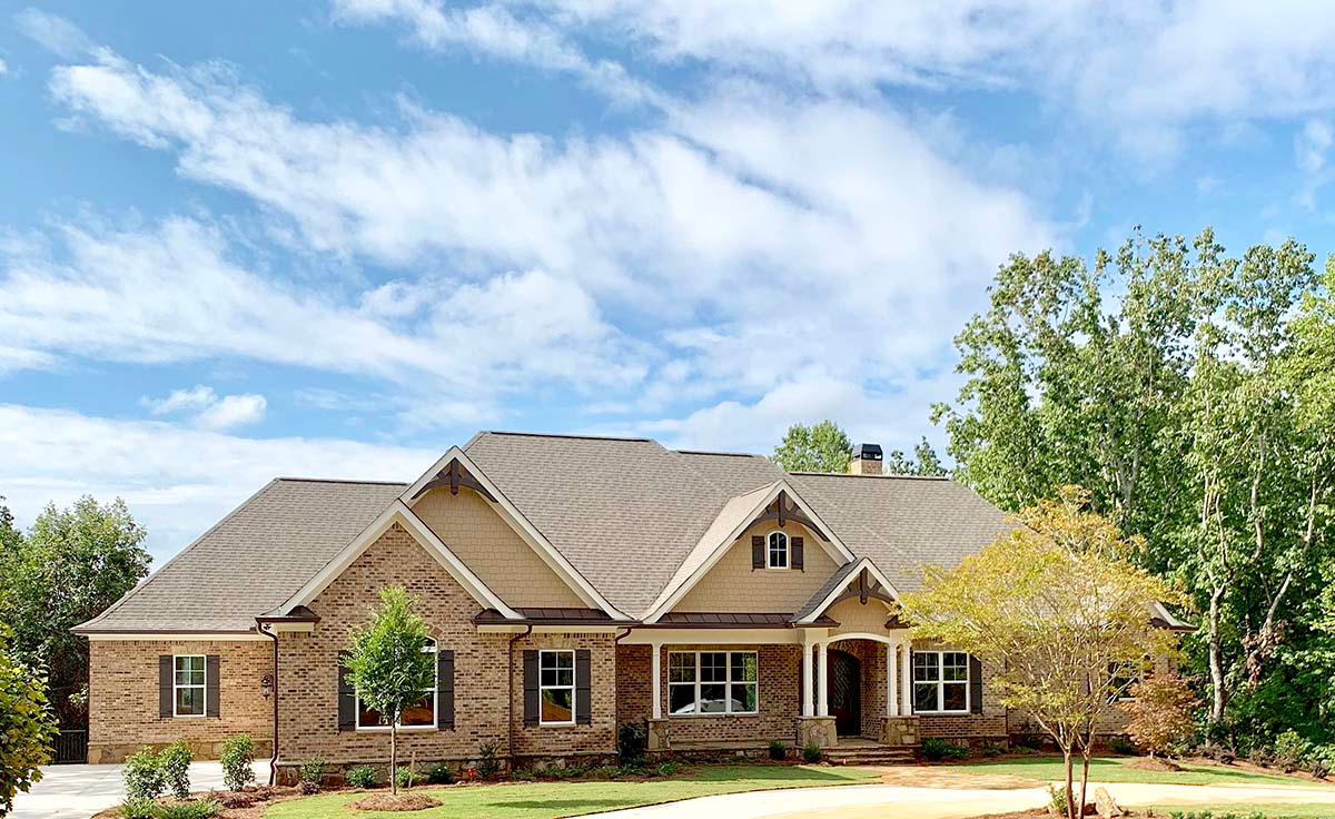 Craftsman, Ranch, Tudor Plan with 3644 Sq. Ft., 4 Bedrooms, 5 Bathrooms, 3 Car Garage Picture 2