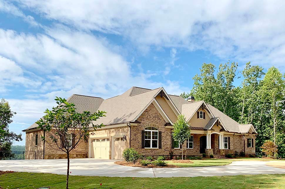 Craftsman, Ranch, Tudor Plan with 3644 Sq. Ft., 4 Bedrooms, 5 Bathrooms, 3 Car Garage Picture 3