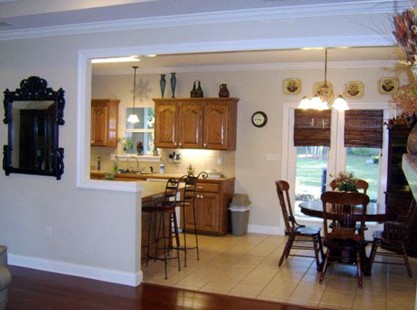 European, Ranch, Traditional Plan with 1751 Sq. Ft., 3 Bedrooms, 2 Bathrooms, 2 Car Garage Picture 3