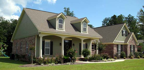 Cape Cod, Craftsman, Traditional Plan with 1800 Sq. Ft., 3 Bedrooms, 2 Bathrooms, 2 Car Garage Picture 6