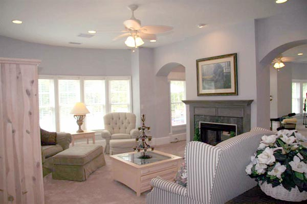 Colonial, Greek Revival Plan with 3159 Sq. Ft., 4 Bedrooms, 4 Bathrooms, 3 Car Garage Picture 2