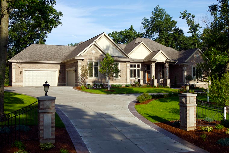 Traditional Plan with 4373 Sq. Ft., 2 Bedrooms, 3 Bathrooms, 4 Car Garage Picture 3