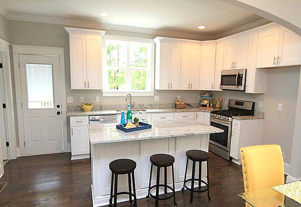 Colonial, Cottage, Southern Plan with 1667 Sq. Ft., 3 Bedrooms, 3 Bathrooms Picture 5
