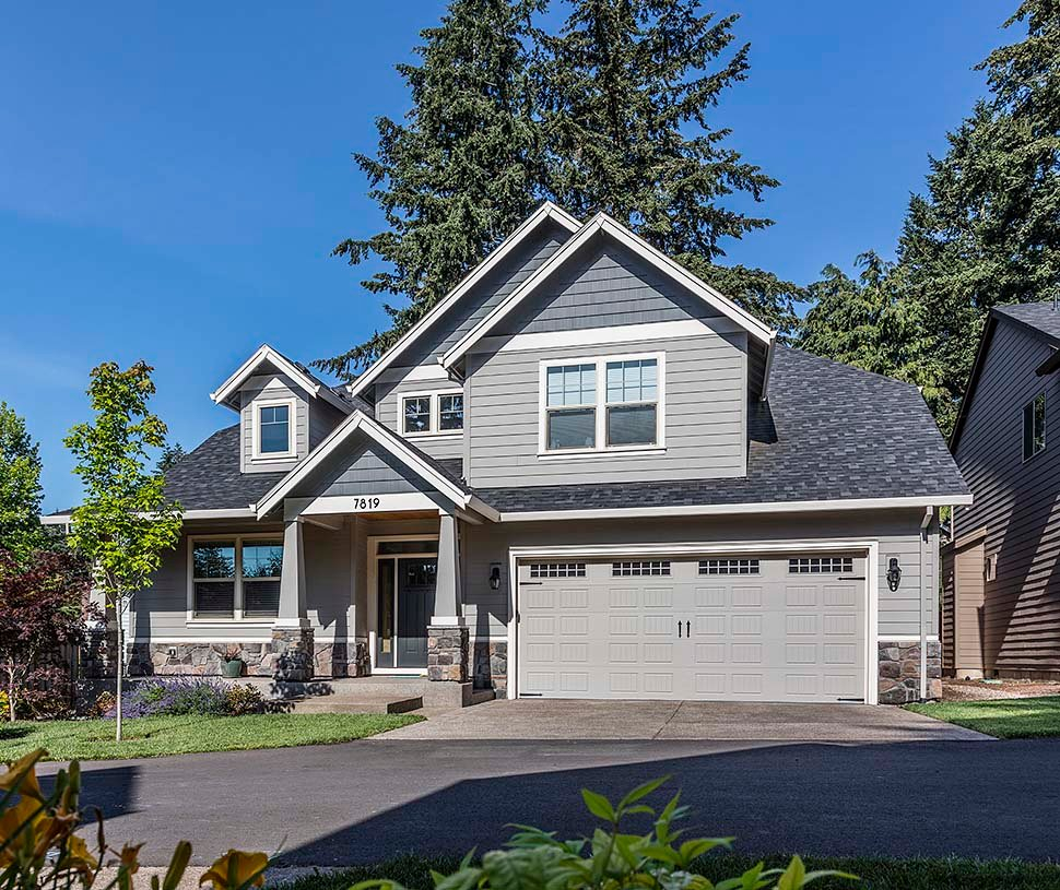 Cottage, Craftsman Plan with 2577 Sq. Ft., 4 Bedrooms, 3 Bathrooms, 2 Car Garage Picture 5