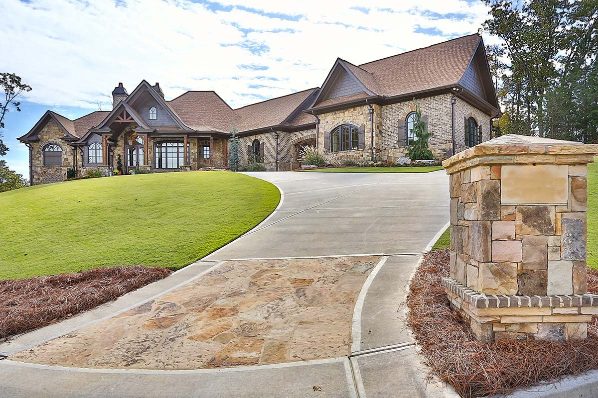 Craftsman, Ranch, Tuscan Plan with 3480 Sq. Ft., 3 Bedrooms, 4 Bathrooms, 3 Car Garage Picture 2