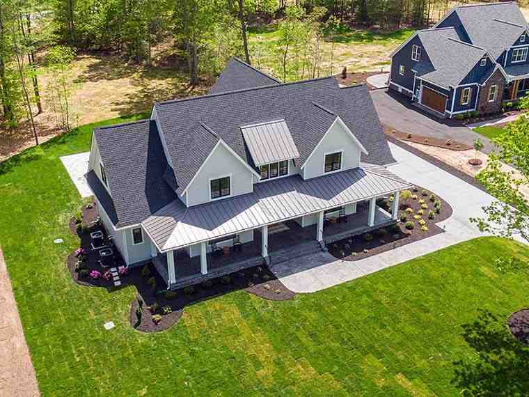 Country, Farmhouse, Traditional House Plan 42698 with 4 Beds, 4 Baths, 3 Car Garage Picture 5