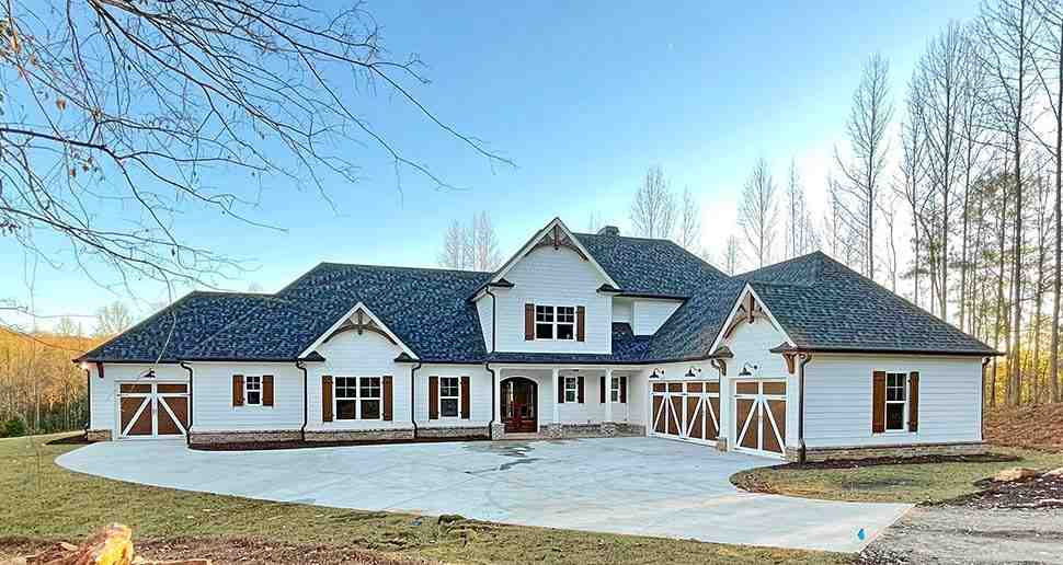 Craftsman, Farmhouse House Plan 52030 with 4 Beds, 4 Baths, 4 Car Garage Picture 10