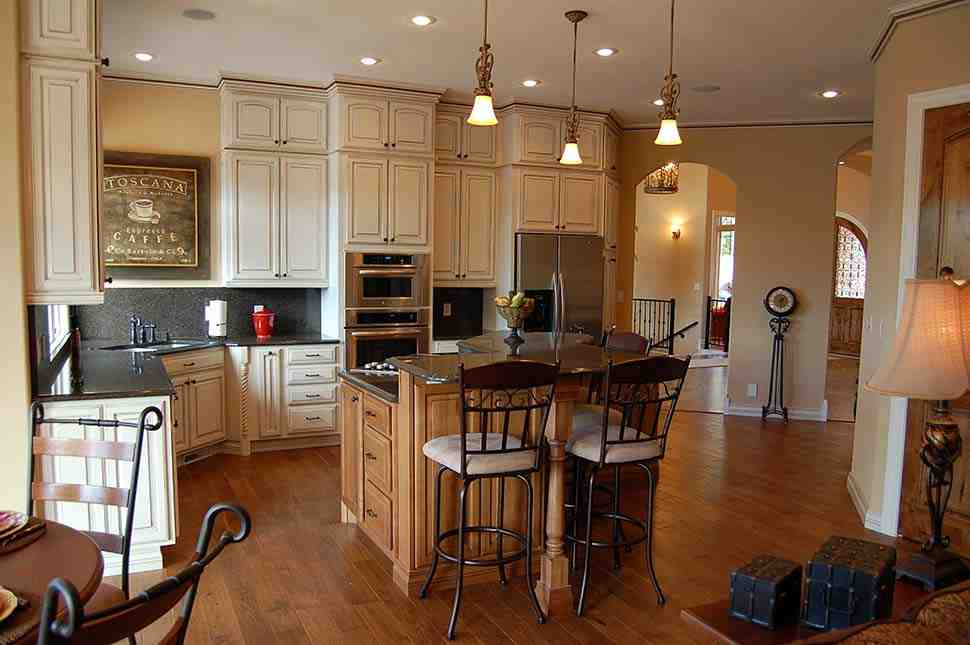 Southwest House Plan 75473 with 5 Beds, 3 Baths, 5 Car Garage Picture 8