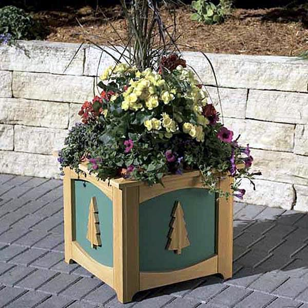 Patio-Perfect Planter Box Woodworking Plan